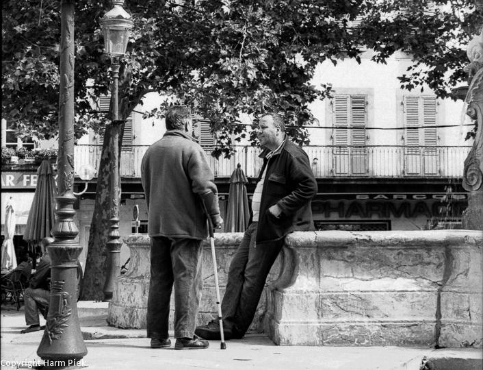 Conversation, Carcassonne, 2013